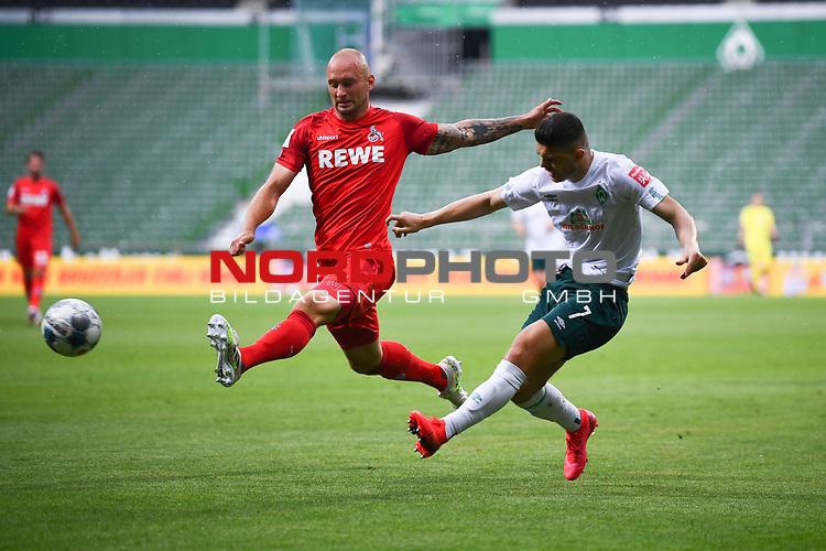 Zweikampf, Duell zwischen Toni Leistner (1. FC Koeln) und Milot Rashica (Werder Bremen).<br /><br />Sport: Fussball: 1. Bundesliga:: nphgm001:  Saison 19/20: 34. Spieltag: SV Werder Bremen - 1. FC Koeln, 27.06.2020<br /><br />Foto: Marvin Ibo GŸngšr/GES/Pool/via gumzmedia/nordphoto