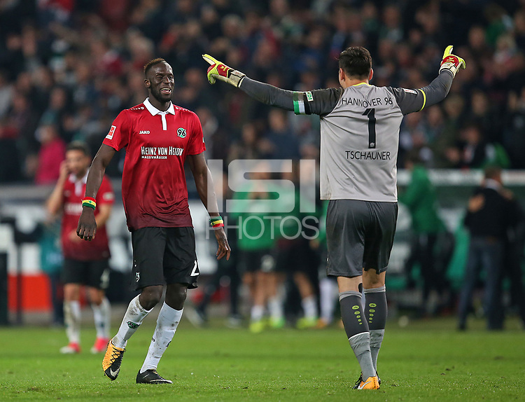 15.09.2017, Football 1. Bundesliga 2017/2018, 4.  match day, Hannover 96 - Hamburger SV, in HDI-Arena Hannover. celebration   Salif Sane (Hannover) and goalkeeper Philipp Tschauner (Hannover)  *** Local Caption *** &copy; pixathlon<br /> <br /> +++ NED + SUI out !!! +++<br /> Contact: +49-40-22 63 02 60 , info@pixathlon.de