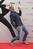 Spanish actor Imanol Arias poses during the `Anacleto agente secreto´ film presentation in Madrid, Spain. September 01, 2015. (ALTERPHOTOS/Victor Blanco)