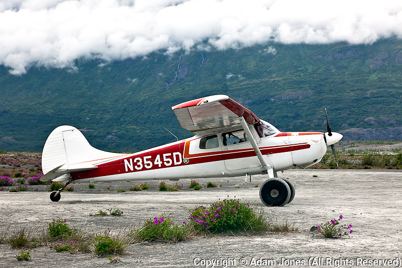 Small airplane with tundra wheels, Alaska