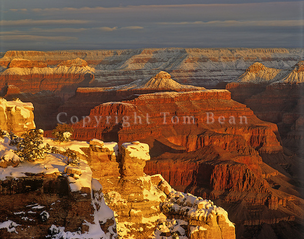 Winter Sunrise at Maricopa Point on South Rim of Grand Canyon National Park, Arizona, AGPix_0021
