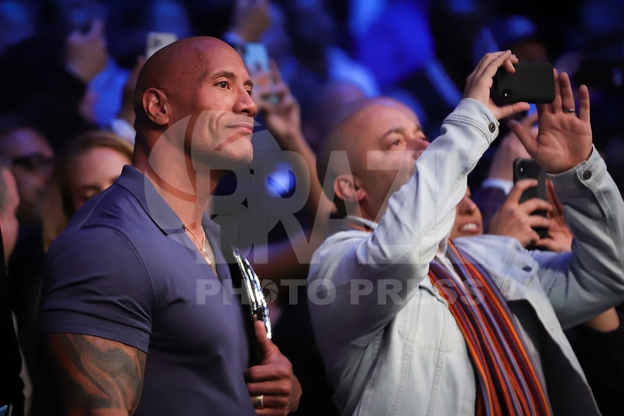 "NOVA YORK, EUA, 02.11.2019 - UFC-NOVA YORK - Dwayne ""the Rock"" Johnson durante o UFC 244 no Madison Square Garden na cidade de Nova York neste sábado, 02. (Foto: Vanessa Carvalho/Brazil Photo Press)"