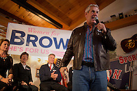 "Actor Lenny Clarke, longtime friend and supporter of Senator Scott Brown (R-MA), speaks at a ""Women For Brown"" meet and greet at The Olde Post Office Pub in North Grafton, Massachusetts, USA, on Thurs., Nov. 2, 2012. Senator Scott Brown is seeking re-election to the Senate.  His opponent is Elizabeth Warren, a democrat."