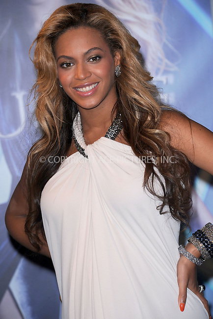 WWW.ACEPIXS.COM . . . . . .September 22, 2011...New York City...Beyonce Pulse Fragrance at Macy's Herald Square in New York City on September 22, 2011 ....Please byline: KRISTIN CALLAHAN - ACEPIXS.COM.. . . . . . ..Ace Pictures, Inc: ..tel: (212) 243 8787 or (646) 769 0430..e-mail: info@acepixs.com..web: http://www.acepixs.com .