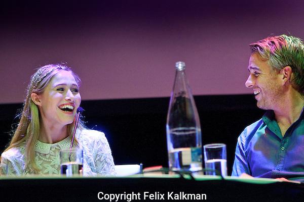 Utrecht, 29 september 2014<br /> Nederlands FIlm Festival<br /> Actrice Sigrid ten Napel in de talkshow van Art Rooijakkers.<br /> Foto Felix Kalkman