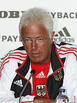 Olympia 2004 Athen PK Deutsches Haus; Schwimmen Bundestrainer Ralf Beckmann ; Portraet