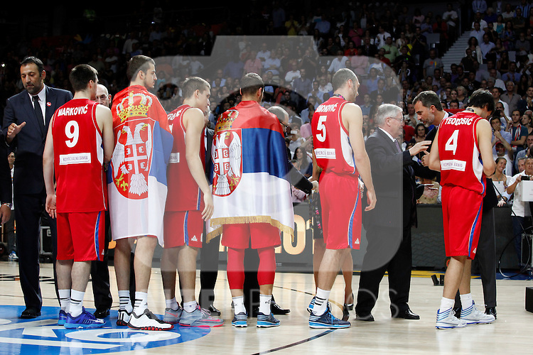 Serbia´s players receive the silver medal during FIBA Basketball World Cup Spain 2014 final award ceremony after losing against United States at `Palacio de los deportes´ stadium in Madrid, Spain. September 14, 2014. (ALTERPHOTOSVictor Blanco)