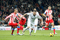 Miranda and Karim Benzema during La Liga Match. December 02, 2012. (ALTERPHOTOS/Caro Marin)