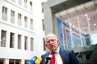 Der Datenschutzbeauftragte des Bundes, Peter Schaar stellt sich am Mittwoch (24.04.13) in Berlin in der Bundespressekonferenz den Fragen der Journalisten. Schaar legte seinen Datenschutz Jahresbericht vor..Axel Schmidt/Common Lens