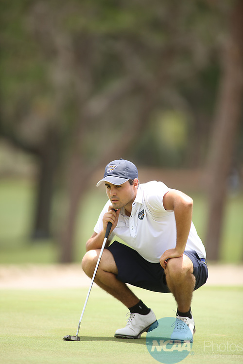 HOWEY IN THE HILLS, FL - MAY 19: Stefano Butti of Emory lines up a putt during the Division III Men's Golf Championship held at the Mission Inn Resort and Club on May 19, 2017 in Howey In The Hills, Florida. (Photo by Cy Cyr/NCAA Photos via Getty Images)