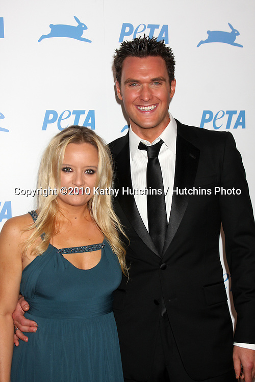 LOS ANGELES - SEP 25:  Lucy Davis , Owain Yeoman arrives at the PETA 30th Anniversary Gala at Hollywood Palladium on September 25, 2010 in Los Angeles, CA