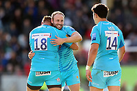 Chris Pennell of Worcester Warriors celebrates at the final whistle with team-mate Gareth Milasinovich. Gallagher Premiership match, between Leicester Tigers and Worcester Warriors on September 21, 2018 at Welford Road in Leicester, England. Photo by: Patrick Khachfe / JMPRugby