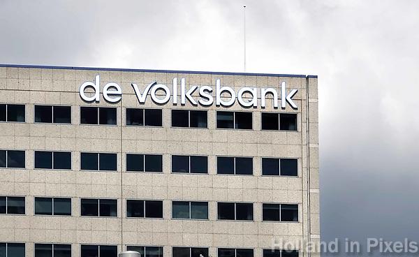 Nederland Utrecht 2018. Het moederbedrijf van SNS heet sinds 2017 de Volksbank. De naam SNS verdwijnt niet van de gevels van de bankfilialen. De Volksbank handhaaft de merknamen SNS, ASN Bank, RegioBank en BLG Wonen voor zijn dochterbedrijven. Foto Berlinda van Dam / Hollandse Hoogte