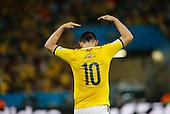 James Rodr&iacute;guez celebra su primer gol durante el partido de octavos de final entre Colombia y Uruguay en el Estadio Maracan&aacute; de R&iacute;o de Janeiro, el 28 de junio de 2014.<br /> <br /> Foto: Daniel Jayo/Archivolatino<br /> <br /> COPYRIGHT: Archivolatino<br /> Solo para uso editorial. No esta permitida su venta o uso comercial.