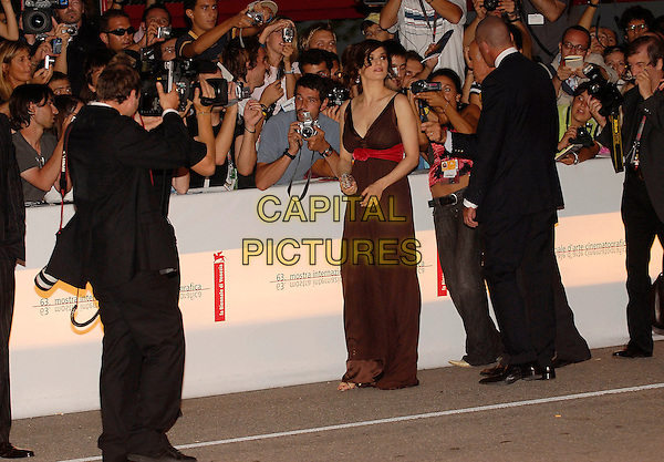"RACHEL WEISZ.""The Fountain"" screening.63rd Venice International Film Festival.Venice, Italy.4th September 2006.Ref: KRA.full length brown dress red rose flower sash empire line.www.capitalpictures.com.sales@capitalpictures.com.©Persun/Capital Pictures"