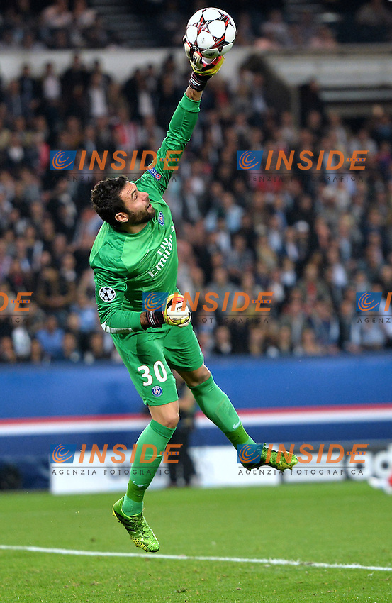 Salvatore Sirigu (psg) <br /> Parigi 2/10/2013 <br /> Football 2013/2014 Champions League<br /> Paris Saint Germain Benfica <br /> Anthony BIBARD / FEP / Panoramic / Insidefoto <br /> ITALY ONLY