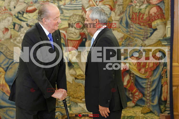 King Juan Carlos of Spain receives Guatemalan President Otto Perez Molina at Zarzuela Palace, Madrid. February 13, 2013. (ALTERPHOTOS/Caro Marin) /NortePhoto
