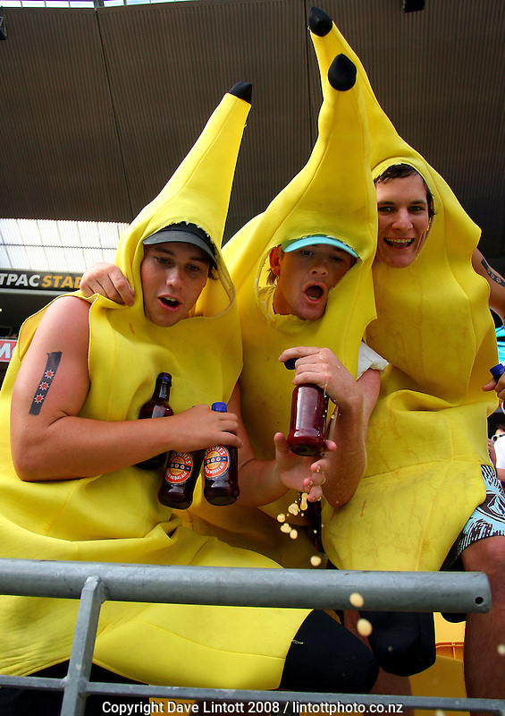 Bananas and beer mix in the front row. NZI Wellington Sevens, Day Two. Westpac Stadium, Wellington. 2 February 2008. Photo: Dave Lintott / lintottphoto.co.nz