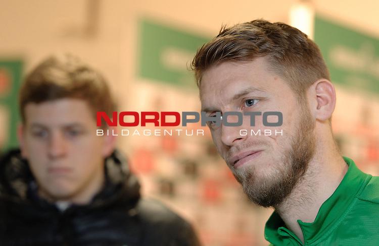 18.12.2013, Weserstadion, Bremen, GER, 1.FBL, Werder Bremen Aaron Hunt, im Bild Aaron Hunt (Bremen #14)<br /> <br /> Foto &copy; nordphoto / Frisch