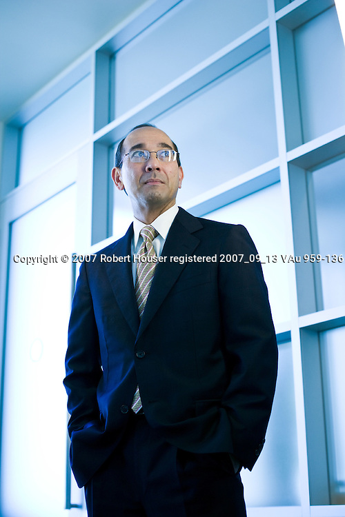 Earl Fry - CFO - Informatica: Executive portrait photographs by San Francisco - corporate and annual report - photographer Robert Houser.