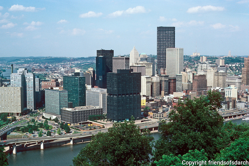 Pittsburgh: Downtown panorama. Photo 2001.