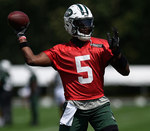 Teddy Bridgewater #5, New York Jets quarterback, throws a pass during Training Camp at the Atlantic Health Jets Training Center in Florham Park, NJ on Saturday, Aug. 18, 2018.