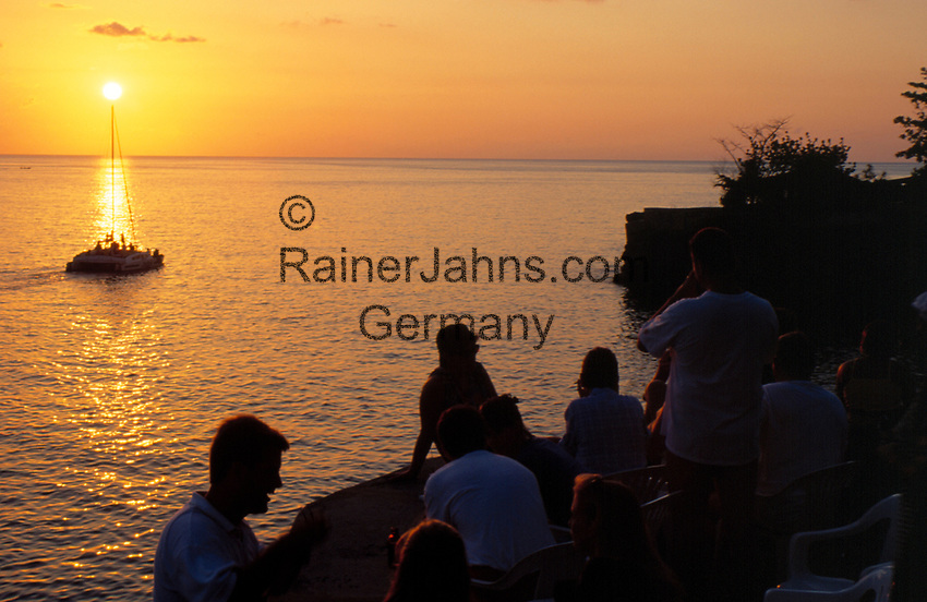 Jamaica, Westmoreland, Negril Westend, Sonnenuntergang  bei Rick's Cafe | Jamaica, Westmoreland, Negril Westend, Sunset Watching at Rick's Cafe