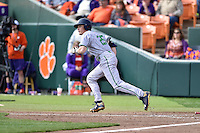 Notre Dame Fighting Irish right fielder Robert Youngdahl (25) runs to first during a game against the Clemson Tigers during game one of a double headers at Doug Kingsmore Stadium March 14, 2015 in Clemson, South Carolina. The Tigers defeated the Fighting Irish 6-1. (Tony Farlow/Four Seam Images)
