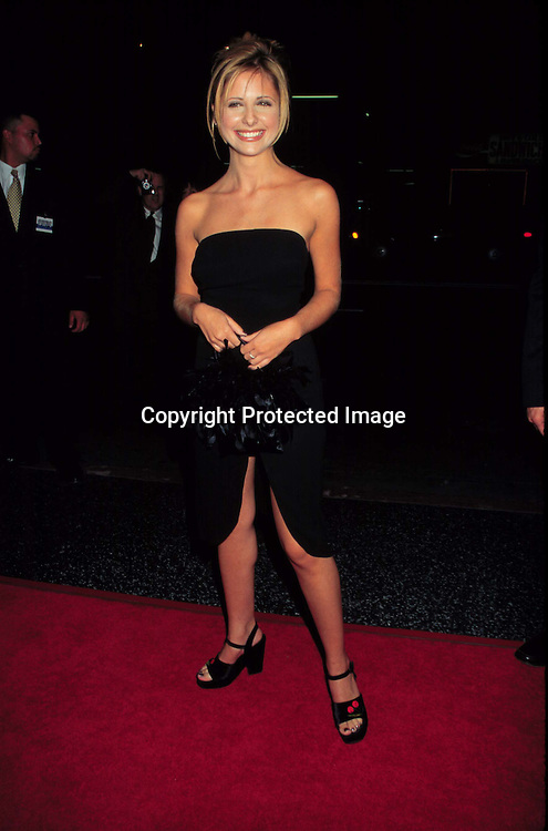 "©KATHY HUTCHINS/HUTCHINS.""I SAW WHAT YOU DID LAST SUMMER"" PREMIERE.10/8/97.SARAH MICHELLE GELLAR"