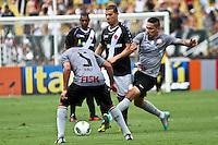 ATENÇÃO EDITOR: FOTO EMBARGADA PARA VEÍCULOS INTERNACIONAIS SÃO PAULO,SP,27 OUTUBRO 2012 - CAMPEONATO BRASILEIRO - CORINTHIANS x VASCO -Nilton  jogador do Vasco durante partida Corinthians x Vasco válido pela 33º rodada do Campeonato Brasileiro no Estádio Paulo Machado de Carvalho (Pacaembu), na região oeste da capital paulista na tarde deste sabado (27).(FOTO: ALE VIANNA -BRAZIL PHOTO PRESS).