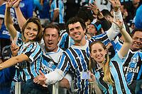 PORTO ALEGRE, RS, 02.11.2016 - GRÊMIO- CRUZEIRO - Torcedores, do Grêmio, durante partida contra o Cruzeiro, válida pela semifinais da Copa do Brasil 2016, na Arena do Grêmio, nesta quarta-feira (Foto: Rodrigo Ziebell/Brazil Photo Press)