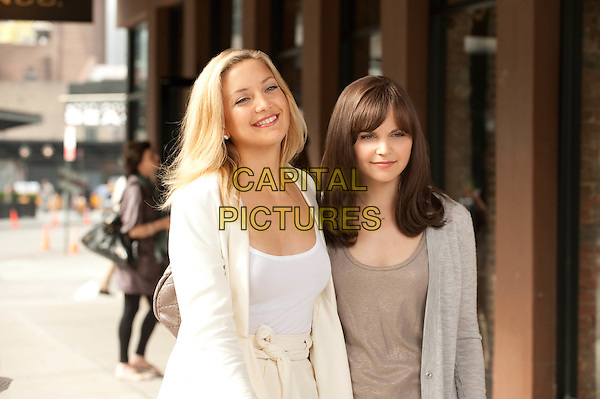 KATE HUDSON & GINNIFER GOODWIN.in Something Borrowed.*Filmstill - Editorial Use Only*.CAP/FB.Supplied by Capital Pictures.