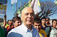 SAO PAULO, SP, 18 DE SETEMBRO 2012 - ELEICOES SP - JOSE SERRA - O candidato a prefeitura de Sao Paulo, Jose Serra (PSDB) durante visita ao Parque do Trote no bairro da Vila Guilherme regiao norte da capital paulista nesse sabado FOTO: VANESSA CARVALHO - BRAZIL PHOTO PRESS.