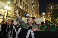 SAO PAULO, SP, 18/06/2013, MANIFESTAÇÃO SÃO PAULO. A capital paulista tem a 6ª Manifestação contra o Aumento da passagem de onibus. Passeata em frente a sede da prefeitura de São Paulo.   LUIZ GUARNIERI/ BRAZIL PHOTO PRESS