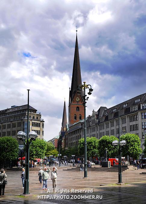 Hamburg square with Rathaus town hall
