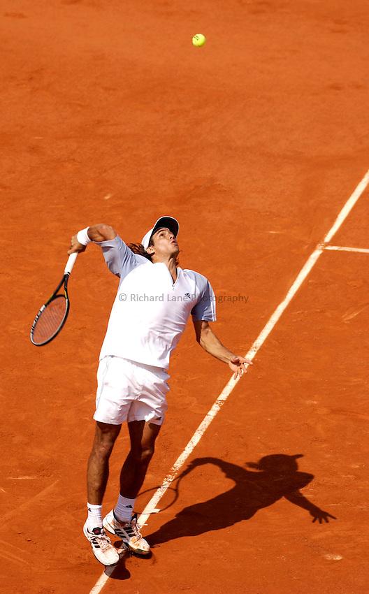 Photo. Jed Wee..French Open Tennis Championships, Roland Garros, Paris, France. 30/05/2003..Mariano Zabaleta.