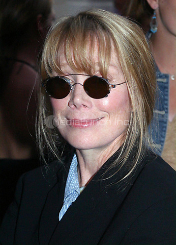 "SISSY SPACEK 8/9/2002<br /> ""HAIRSPRAY"" PERFORMANCE AT THE NEIL SIMON THEATRE IN NEW YORK CITY.<br /> Photo By John Barrett/PHOTOlink/MediaPunch"