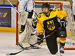 03.01.2020, BLZ Arena, Füssen / Fuessen, GER, IIHF Ice Hockey U18 Women's World Championship DIV I Group A, <br /> Italien (ITA) vs Deutschland (GER), <br /> im Bild Alina Leveringhaus (GER, #24)<br /> <br /> Foto © nordphoto / Hafner