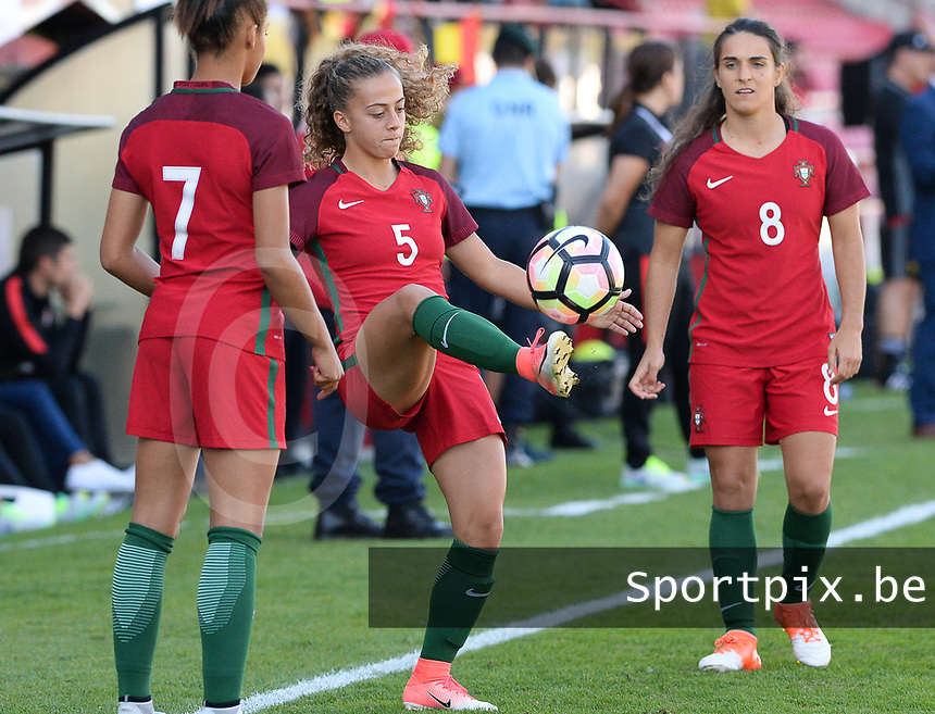 20171024 - PENAFIEL , PORTUGAL : Portugese Matilde Fidalgo (5)  pictured during warming up of a women's soccer game between Portugal and the Belgian Red Flames , on tuesday 24 October 2017 at Estádio Municipal 25 de Abril in Penafiel. This is the third game for the  Red Flames during the Worldcup 2019 France qualification in group 6. PHOTO SPORTPIX.BE | DAVID CATRY