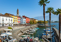 Switzerland, Ticino, Ascona at Lago Maggiore: seaside restaurant 'Sea Lounge' and small boat harbour | Schweiz, Tessin, Ascona am Lago Maggiore: die 'Sea Lounge' am kleinen Bootshafen