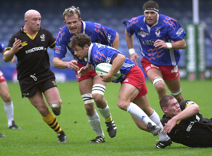 Photo Ken Brown.29.10.2000 Heineken Cup - Wasps v Stade Francais.Franck Comba