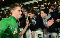 FUSSBALL   1. BUNDESLIGA    SAISON 2012/2013    17. Spieltag   SV Werder Bremen - 1. FC Nuernberg                     16.12.2012 Nils Petersen (SV Werder Bremen) nach dem Spiel bei den Fans in der Ostkurve