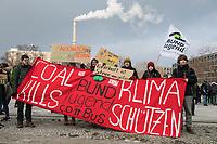 Tausende Schuelerinnen und Schueler streikten am Freitag den 25. Januar 2019 in Berlin unter dem Motto #FridaysForFuture fuer einen Ausstieg aus der Kohlepolitik. &quot;Heute verhandelt die Kohlekomission &uuml;ber den Kohleausstieg, und damit ueber unsere Zukunft. Die Menschen, die heute diese Entscheidungen treffen, werden die langfristigen Folgen ihrer Entscheidungen nicht mehr erleben.&quot;<br /> 25.1.2019, Berlin<br /> Copyright: Christian-Ditsch.de<br /> [Inhaltsveraendernde Manipulation des Fotos nur nach ausdruecklicher Genehmigung des Fotografen. Vereinbarungen ueber Abtretung von Persoenlichkeitsrechten/Model Release der abgebildeten Person/Personen liegen nicht vor. NO MODEL RELEASE! Nur fuer Redaktionelle Zwecke. Don't publish without copyright Christian-Ditsch.de, Veroeffentlichung nur mit Fotografennennung, sowie gegen Honorar, MwSt. und Beleg. Konto: I N G - D i B a, IBAN DE58500105175400192269, BIC INGDDEFFXXX, Kontakt: post@christian-ditsch.de<br /> Bei der Bearbeitung der Dateiinformationen darf die Urheberkennzeichnung in den EXIF- und  IPTC-Daten nicht entfernt werden, diese sind in digitalen Medien nach &sect;95c UrhG rechtlich geschuetzt. Der Urhebervermerk wird gemaess &sect;13 UrhG verlangt.]