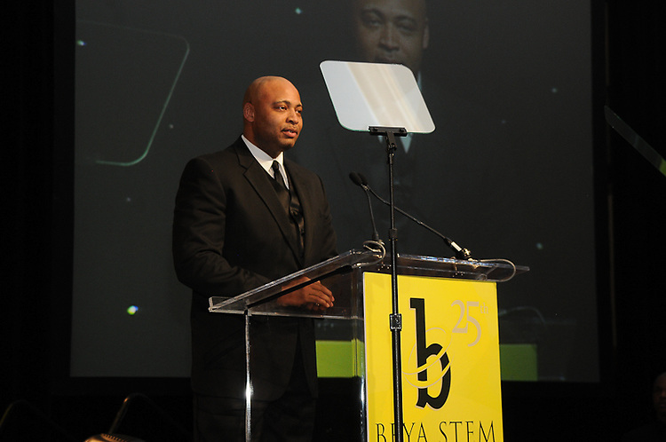2010 BEYA Gala held in Washington DC sponsored by Chrysler Group LLC, Northrop Grumman and Lookeed Martin.  Professional Image Event Photography by John Drew