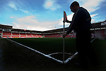 Middlesbrough 0 Wigan Athletic 0, 21/02/2009. The Riverside Stadium, Middlesbrough. Premier League. Photo by Paul Thompson. A member of groundstaff placing the corner flag in place.