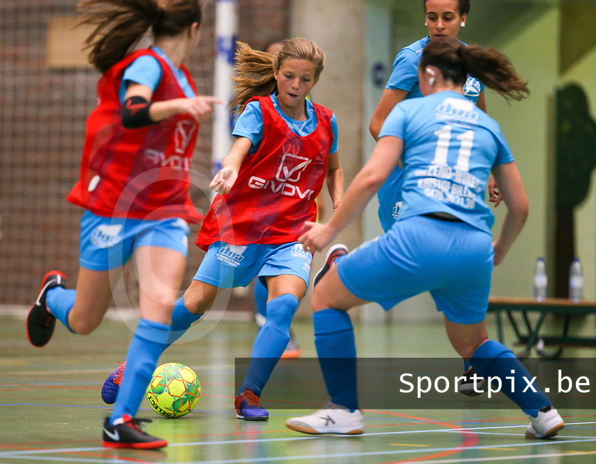 20190915– HALLE , BELGIUM : FP Halle-Gooik Girls player S Rouschop (in Red) is  pictured during the Belgian Women's Futsal D1 match between FP Halle-Gooik A and FP Halle-Gooik B on Sunday 15th 2019 at the De Bres Sport Complex in Halle, Belgium. PHOTO SPORTPIX.BE   Sevil Oktem