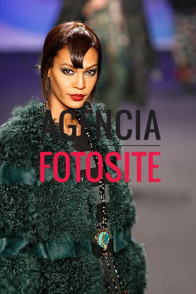 Nova Iorque, EUA &ndash; 02/2014 - Desfile de Anna Sui durante a Semana de moda de Nova Iorque - Inverno 2014. <br /> Foto: FOTOSITE