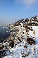 Deutschland, Hamburg, Blankenese, Süllberg und Elbe im Winter
