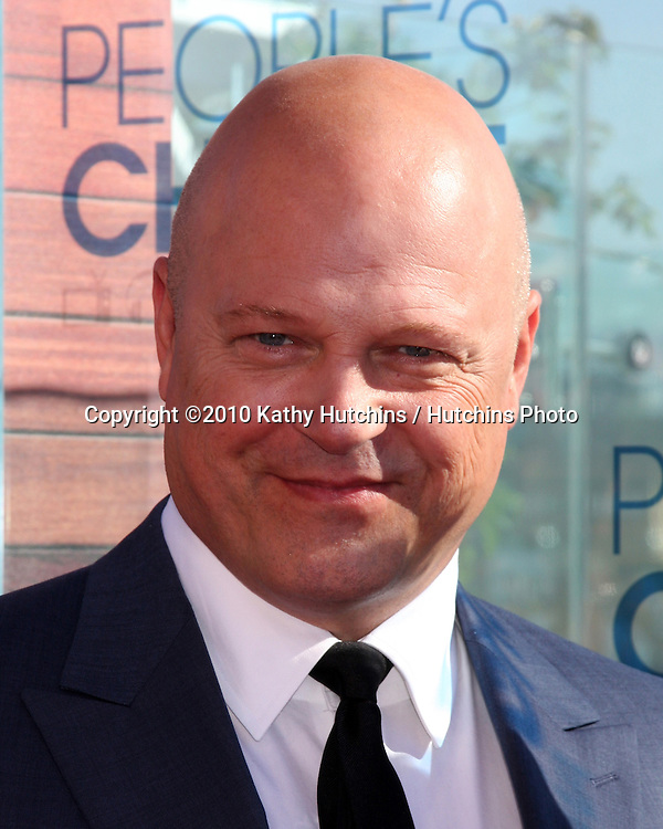 LOS ANGELES - NOV 9:  Michael Chiklis at the 2011 People's Choice Awards - Nominations Announcement at The London Hollywood on November 9, 2010 in W. Hollywood, CA