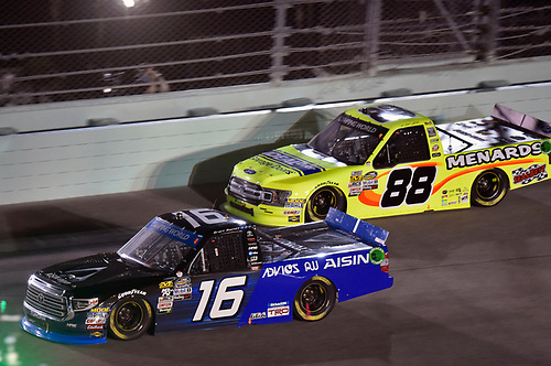 #16: Brett Moffitt, Hattori Racing Enterprises, Toyota Tundra AISIN Group and #88: Matt Crafton, ThorSport Racing, Ford F-150 Ideal Door/Menards